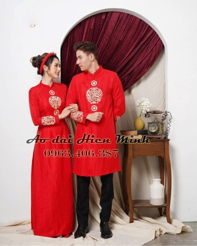 Áo dài cưới cặp màu đỏ đơn giản